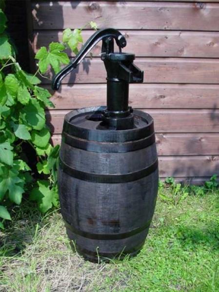 Weinfass bzw. Regentonne 50 Liter inkl. Pumpe / H: 98 cm Ø: 40 cm Gewicht: 21 kg (Kastanie braun) Nr. 236
