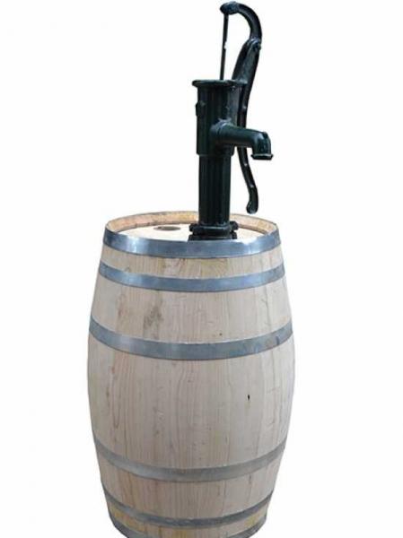 Weinfass bzw. Regentonne 200 Liter inkl. Pumpe / H: 161 cm Ø: 60 cm Gewicht: 74 kg (Kastanie) Nr.1000
